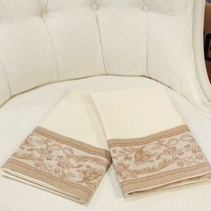 Egyptian Cotton Cases with Floral Jacquard Trim*73